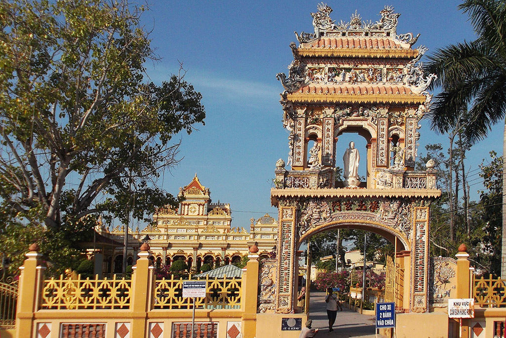 Vĩnh Tràng Temple in the Mekong Delta