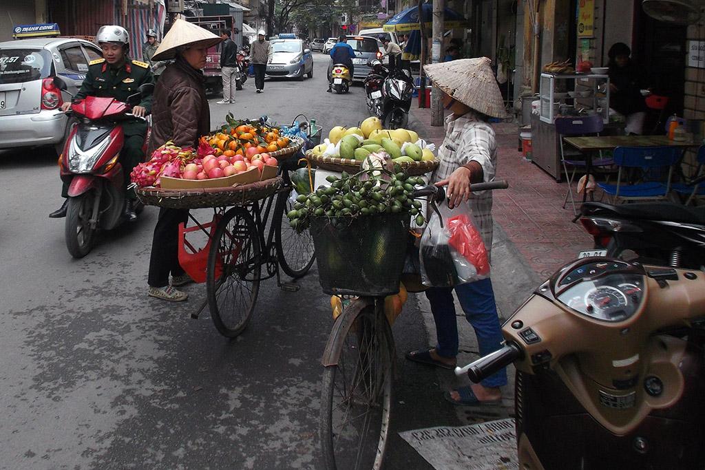 Fruit vendors in Hanoi