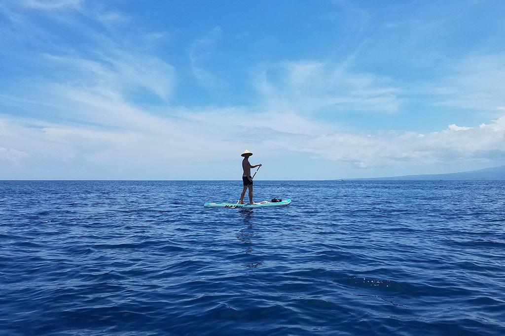 Stand up paddeling off the shore of Gili Trawangan