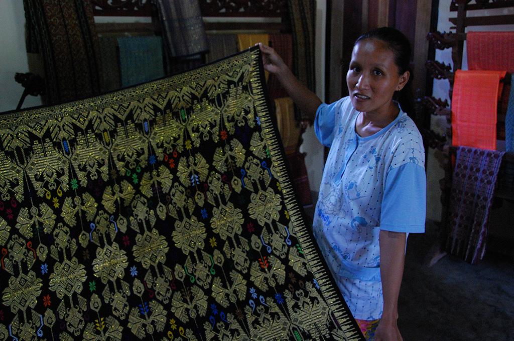 Traditional Sasak weaving on Lombok