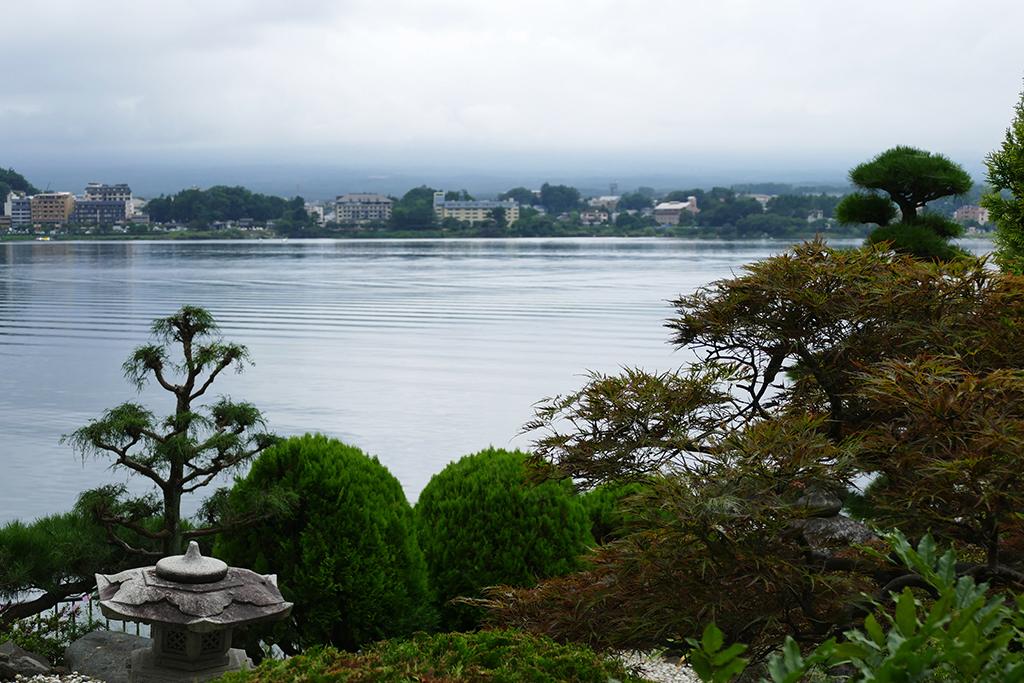 Halfway around lake Kawaguchiko