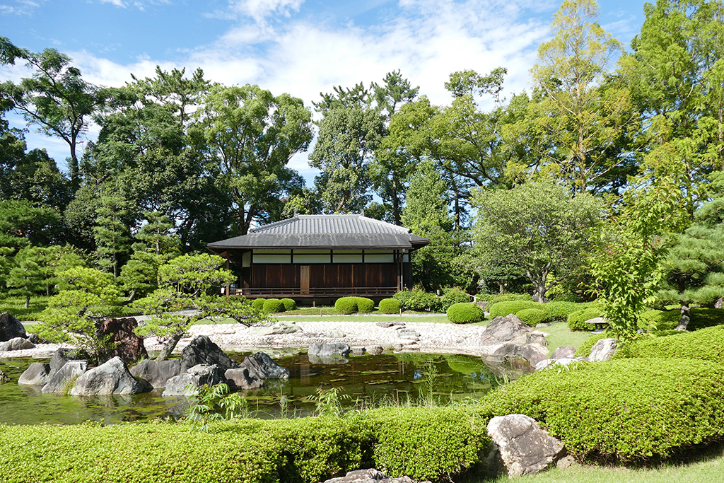 Garden at the Nijo Castle in 4 Days Kyoto Treasure Box of Japan