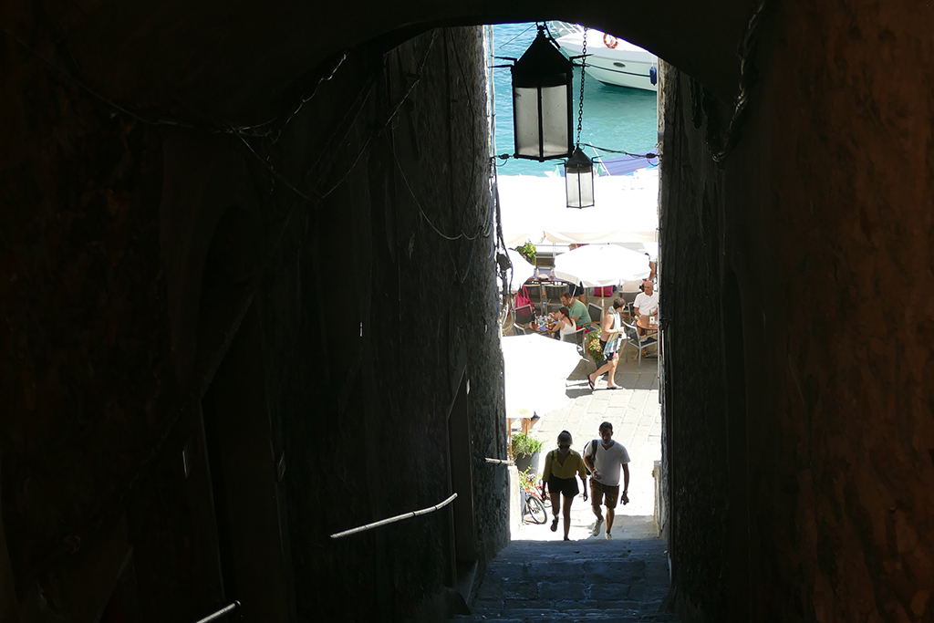Stairs connecting the calata with the carruggio at Porto Venere