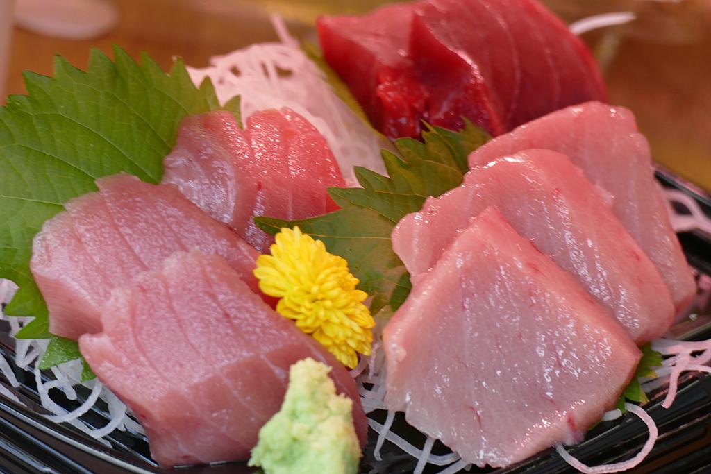 Juicy fish at the market in Tokyo