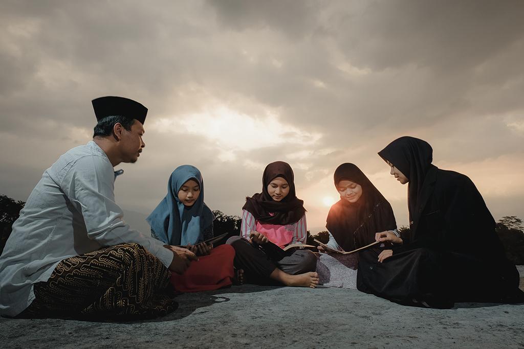 Muslim Family in Singapore