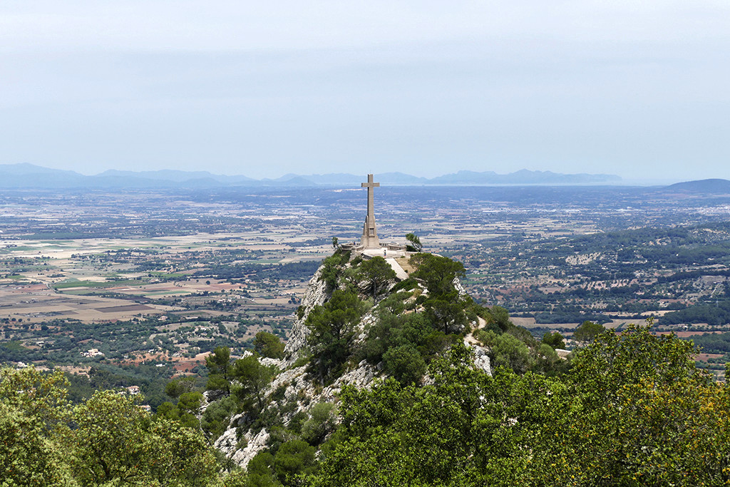 One Week Mallorca Hideouts: View of the cross of Sant Salvador close to Felanitx on Mallorca