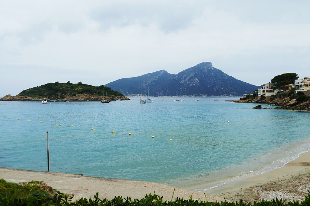 View of the Illa Pantelau and Sa Dragonera from the beach of Sant Elm