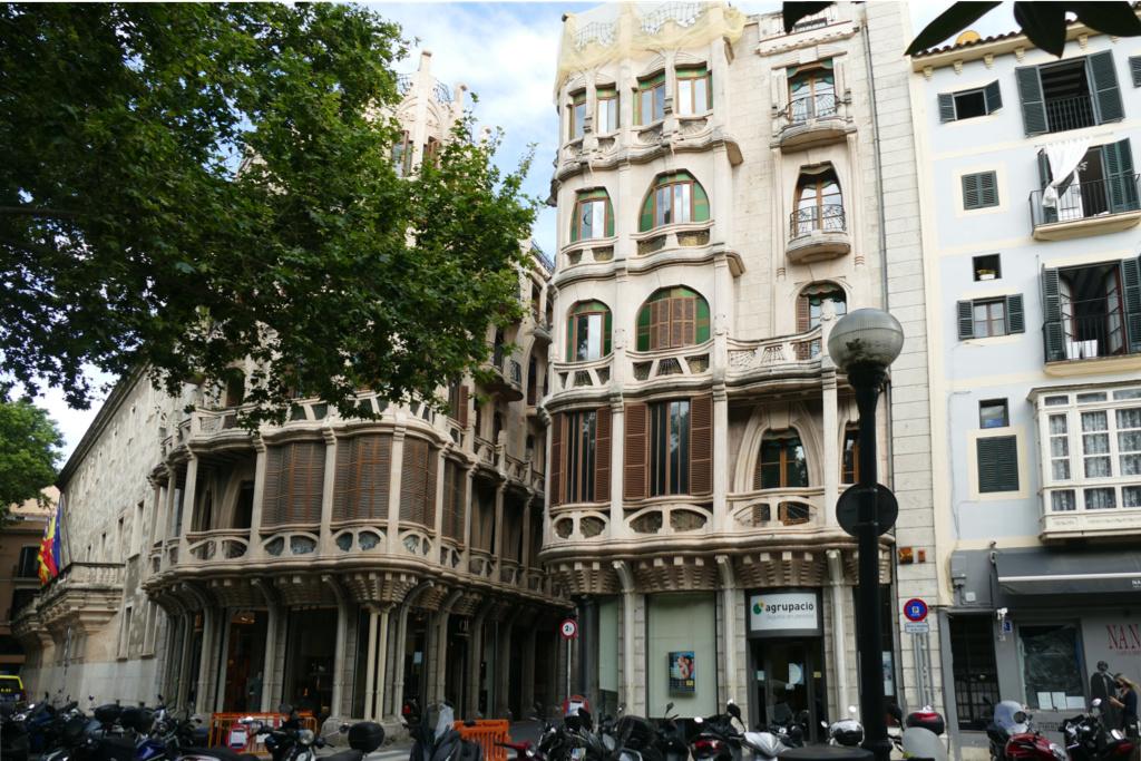 Can Casasayas (1908-1910) and the Pensión Menorquina (1909-1911) in Palma de Mallorca