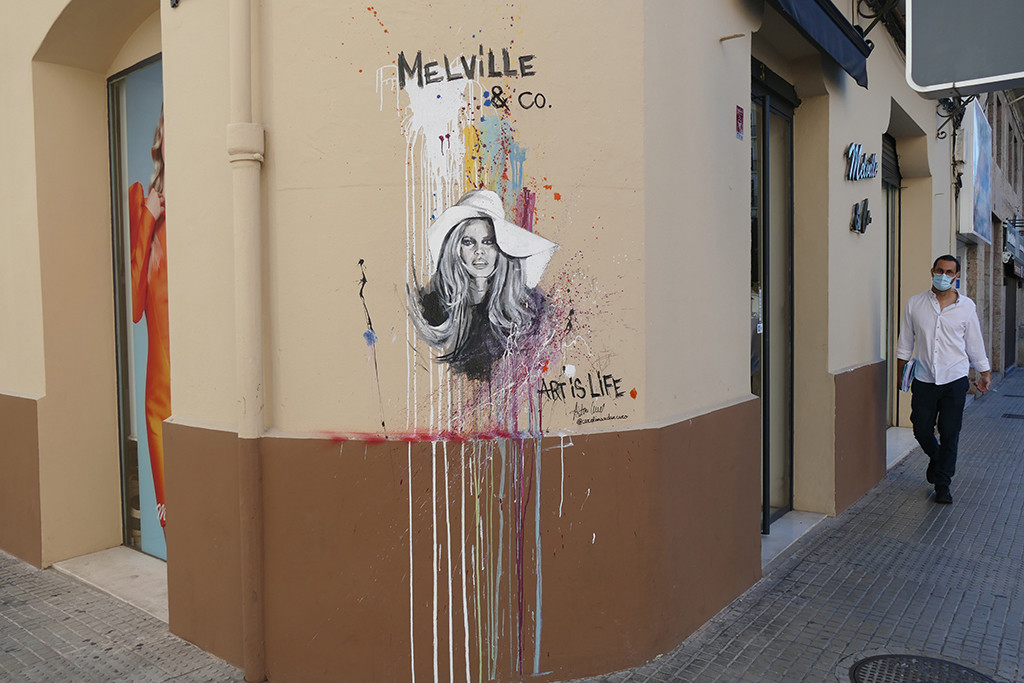 """Art is life"" by @carolinaadancaro for @melvilleyco (Palma, Mallorca, 2020)"