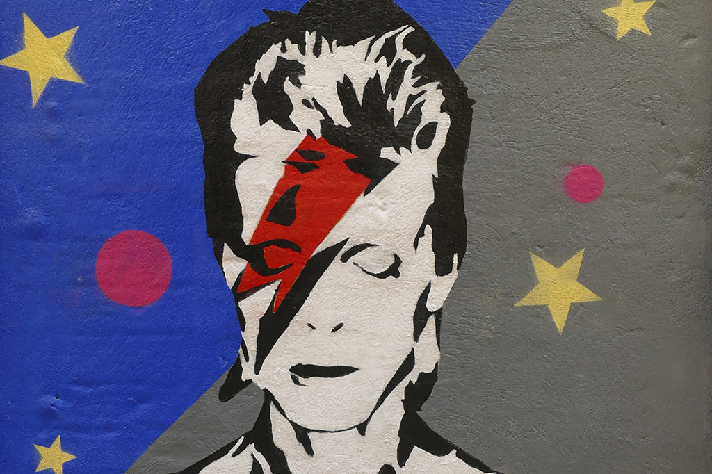 """""""BOWIE"""" by @camilleohyde (Palma, Mallorca, 2020)"""
