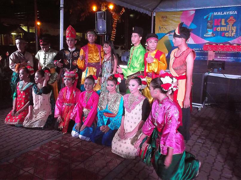 Malaysia - Asia's Melting Pot: Group of Dancers in Kuala Lumpur