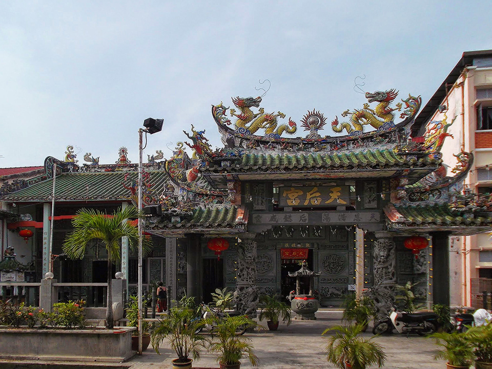 The Haina Temple Thean Hou on Lebuh Muntri in George Town on Pulau Penang