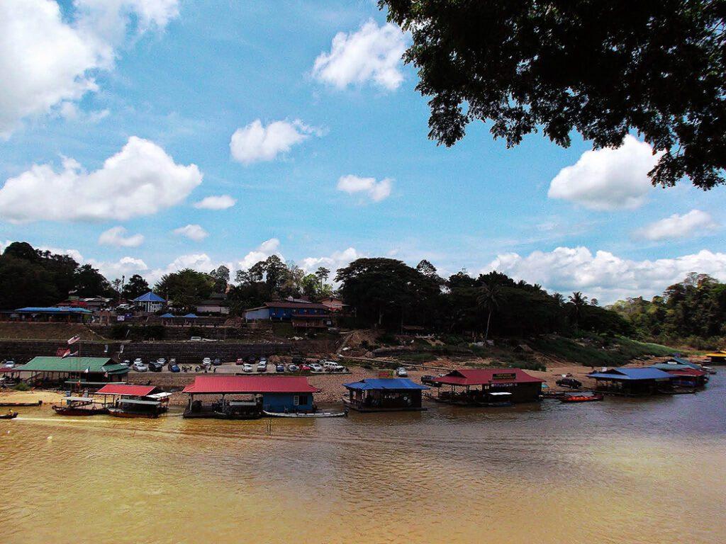 The riverfront of the Kuala Tahan village.