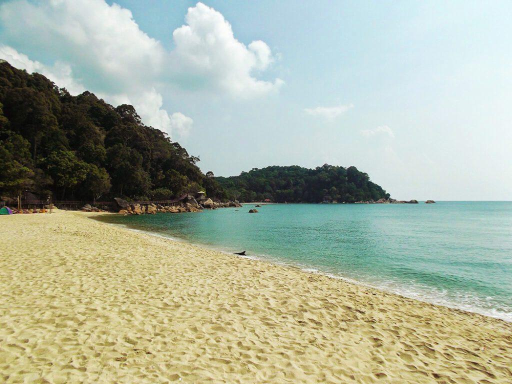 Teluk Cempedak Beach.