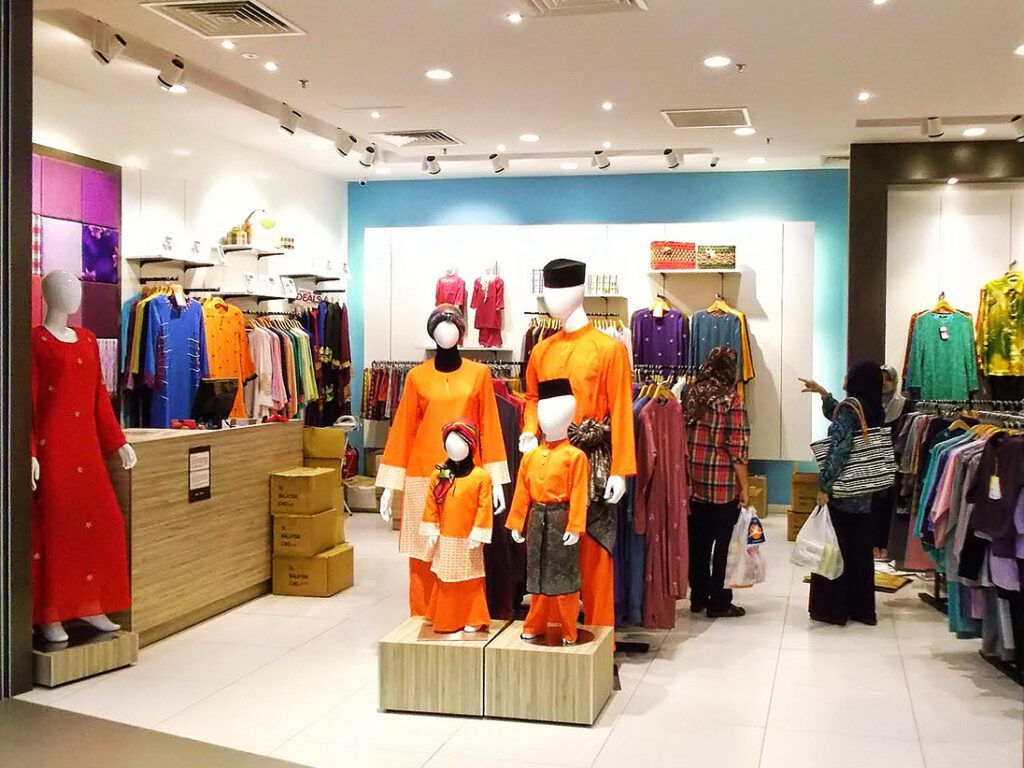 Shop with traditional Islamic clothing
