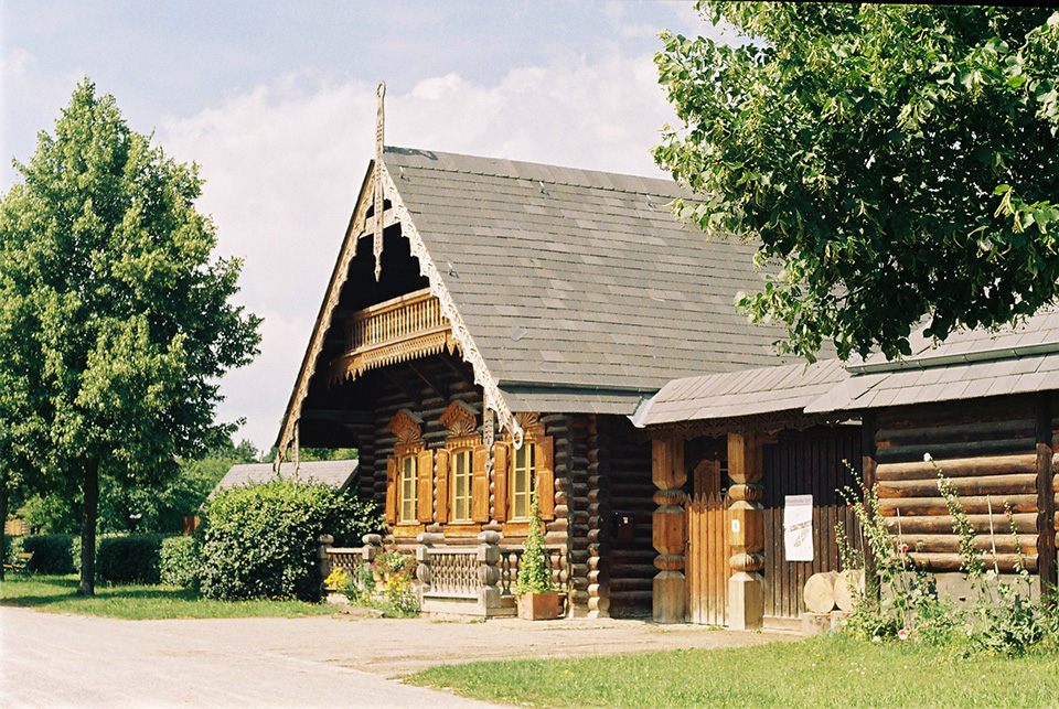 A Russian homestead at the Alexandrowka in Potsdam, the great small town, introduced in this guide