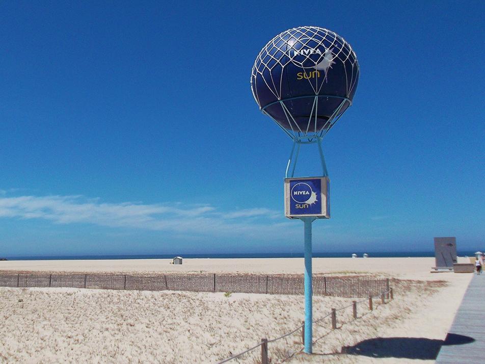 Nivea-balloon on a beach at Figuera da Foz in Portugal