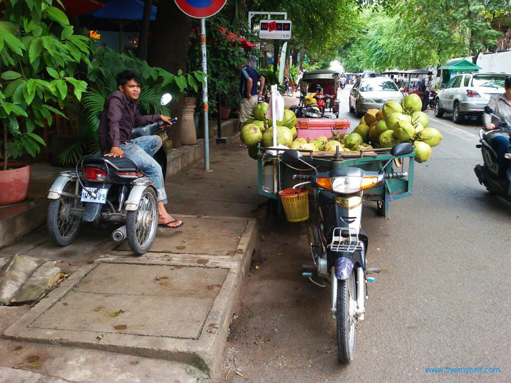 One of the main streets of Phnom Penh