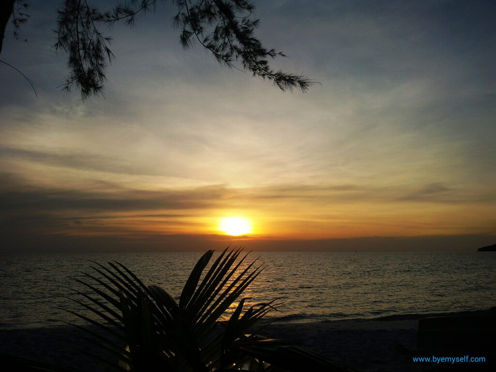 At the end of the day, the sun sets over Sok San Beach. What a grand finale!