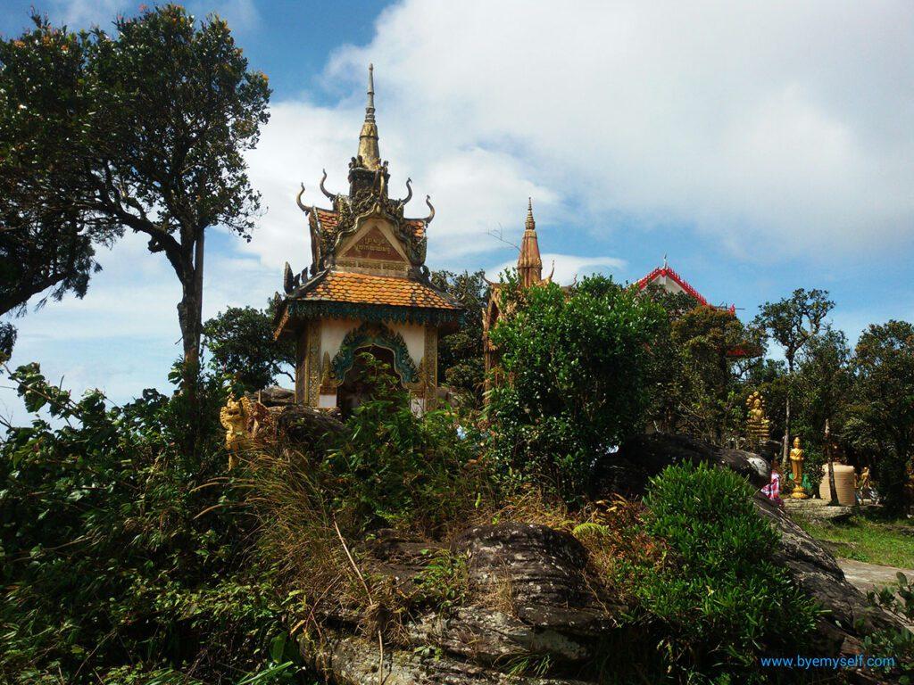 Wat Sampov Pram on the Thansur Bokor