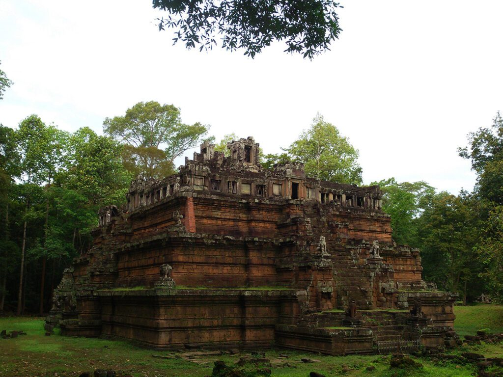Phimeanakas - This temple in the Royal Place's very center is not accessible at this moment