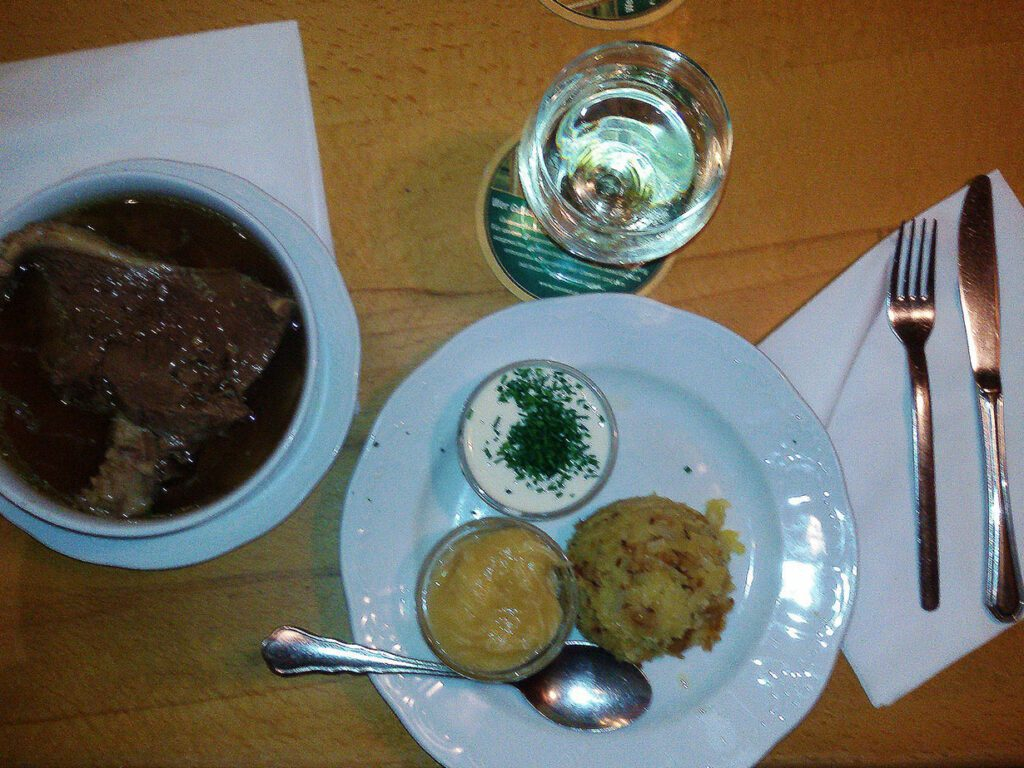 Tafelspitz, beef in its broth, one of Austria's delicacies.