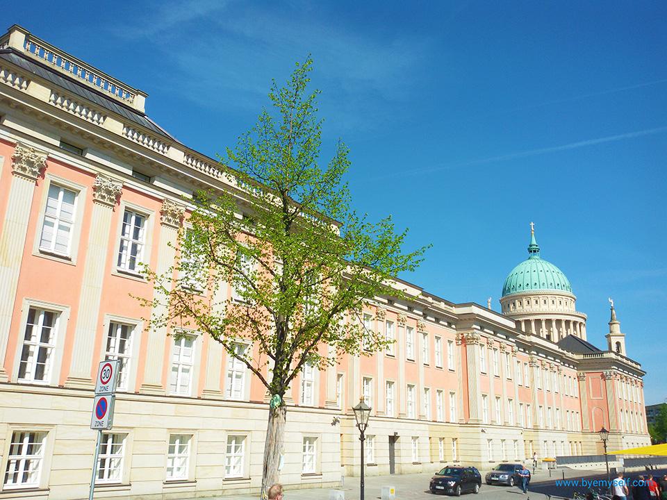 The Palace's facade facing the Humboldtstraße.