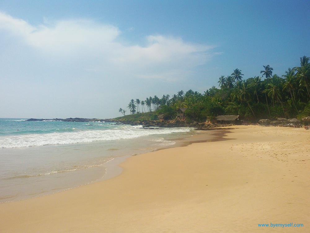 Goyambokka - one of Tangalle's nicer beaches.