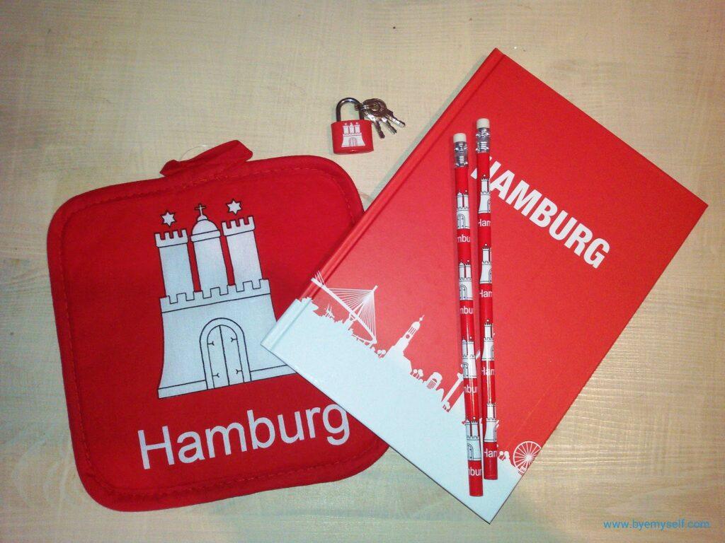 Hamburg-themed souvenirs by Budnikowsky