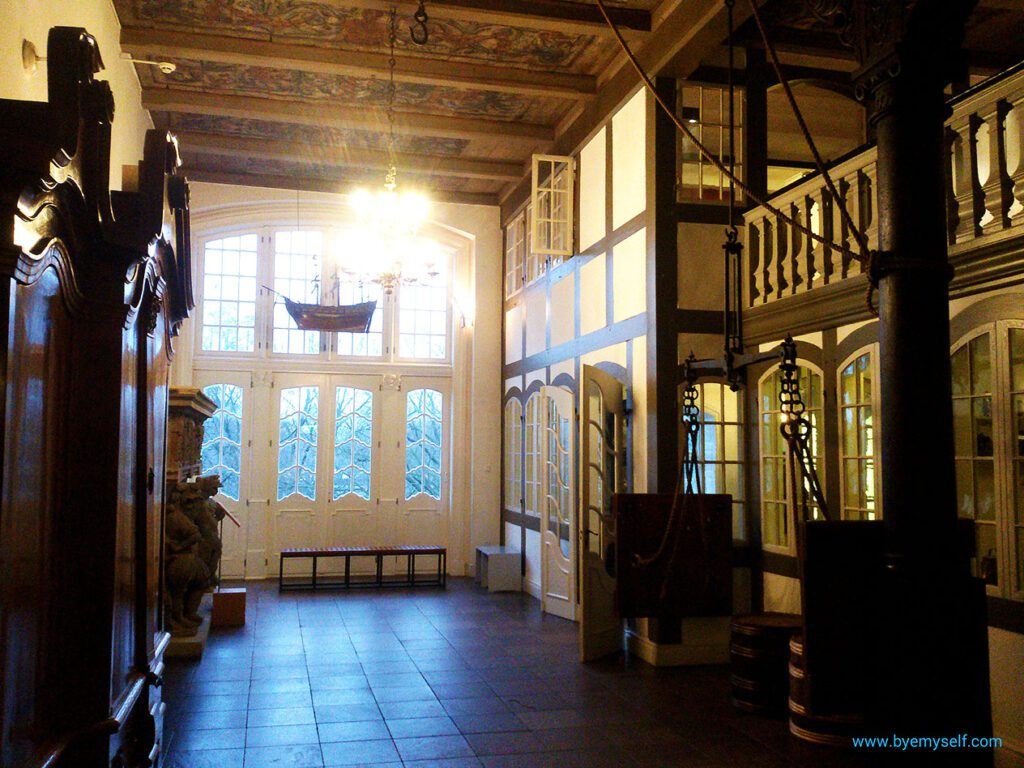 The entrance hall to a wealthy merchant's house at the Museum for Hamburg's History