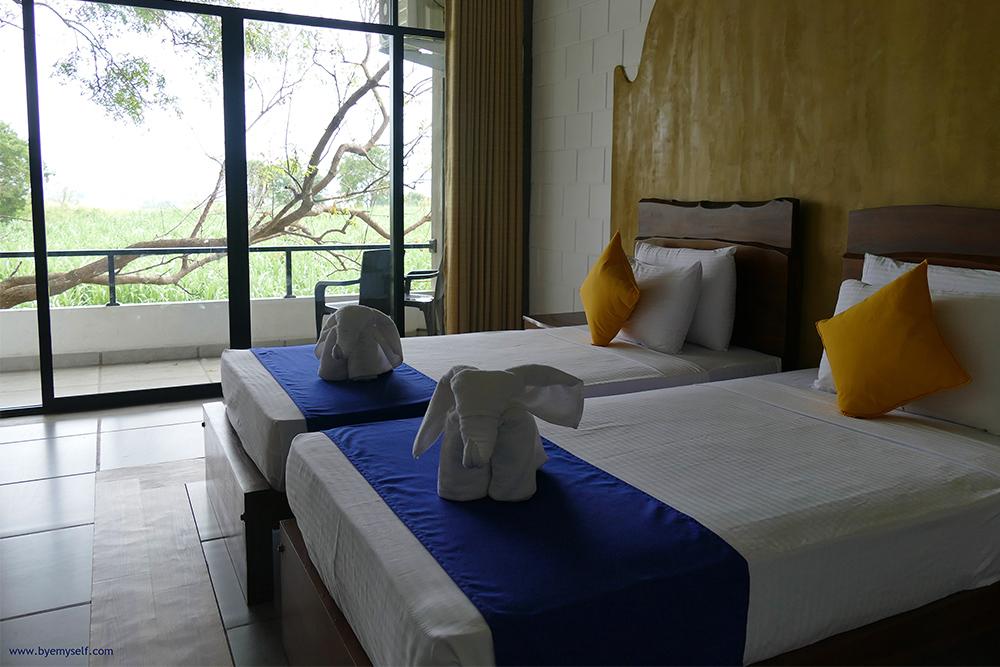 Hotel room in Uduwalawe