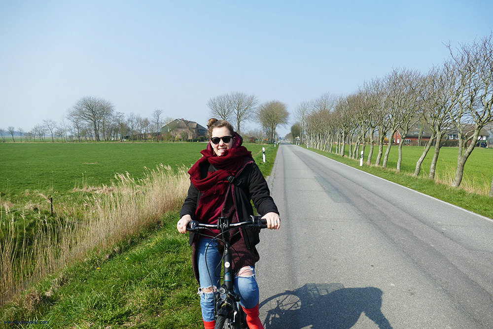 Mimi Green cycling on the island of Foehr