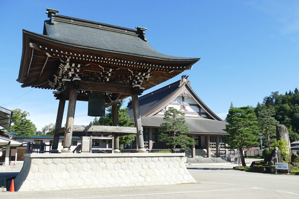 The bell tower with the lecture hall in the back at the Sanmachi Suji in Takayama.