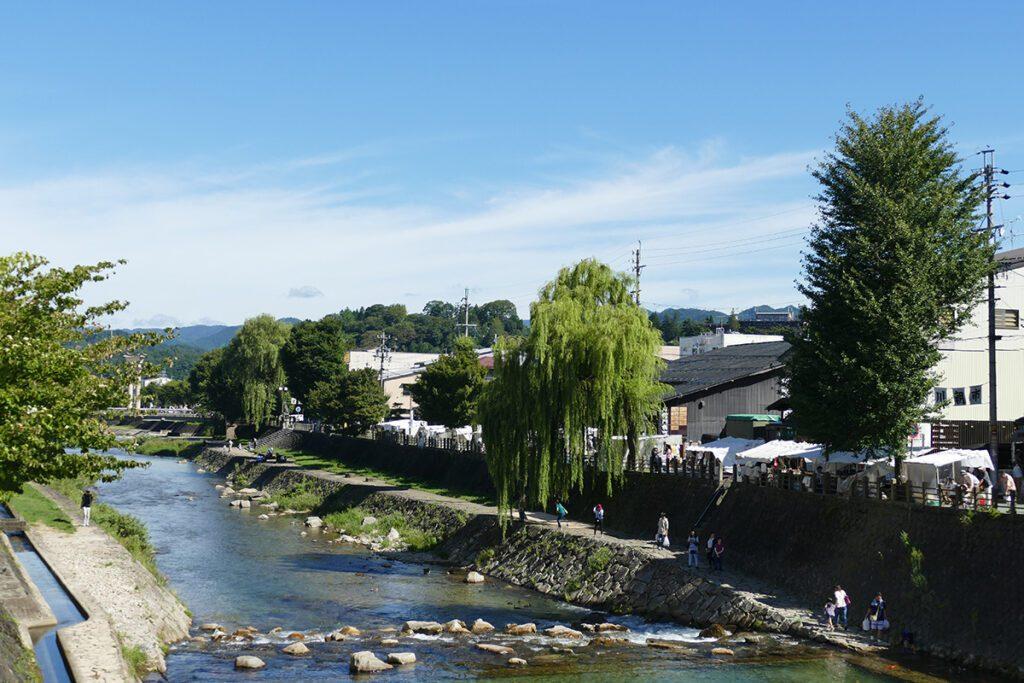 The Miyagawa River in Takayama on a travel back in time and a side trip to SHIRAKAWAGO