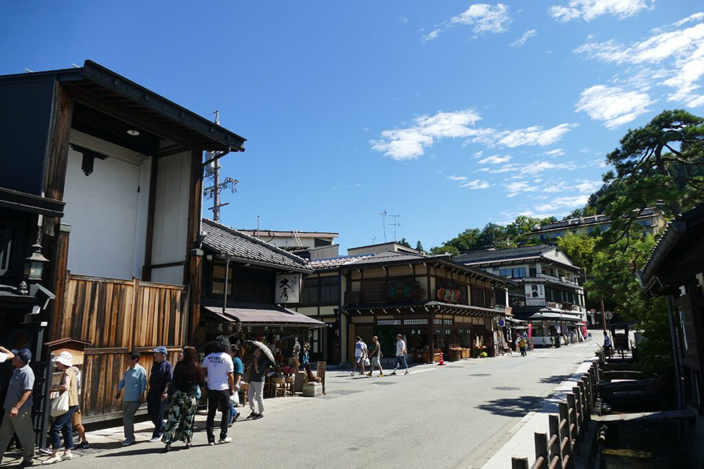 Street in TAKAYAMA on a travel back in time and a side trip to SHIRAKAWAGO