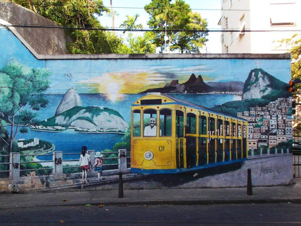 Murals of icons of rough Rio de Janeiro.